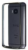 Eiroo HTC One M9 Gold Çizgili Round Metal Bumper Çerçeve Siyah Kılıf