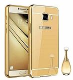 Eiroo Mirror Samsung Galaxy C7 SM-C7000 Metal Kenarlı Aynalı Gold Rubber Kılıf