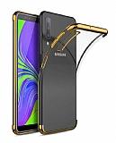 Eiroo Radiant Samsung Galaxy A7 2018 Gold Kenarlı Şeffaf Silikon Kılıf