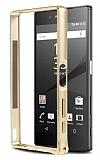 Eiroo Sony Xperia Z5 Gold Çizgili Metal Bumper Çerçeve Gold Kılıf