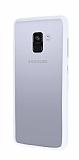 Samsung Galaxy A8 2018 Metal Tuşlu Beyaz Silikon Kenarlı Şeffaf Kılıf
