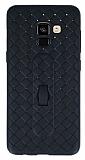 Samsung Galaxy A8 Plus 2018 Selfie Yüzüklü Hasır Desenli Siyah Silikon Kılıf