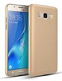 Samsung Galaxy J7 2016 Tam Kenar Koruma Gold Rubber Kılıf