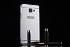 Eiroo Mirror Samsung Galaxy A8 2016 Metal Kenarlı Aynalı Silver Rubber Kılıf - Resim 3