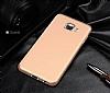 Samsung Galaxy C7 Pro Tam Kenar Koruma Gold Rubber Kılıf - Resim 6